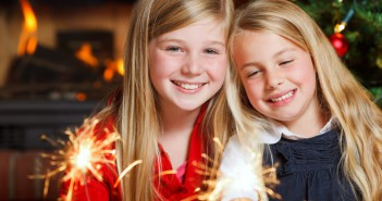 little_girls_merry_christmas_new_year_sparklers_smiling_happy_child_children_light_e-HD